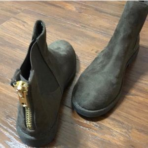 Shoes - Chelsea boots- New, no tags